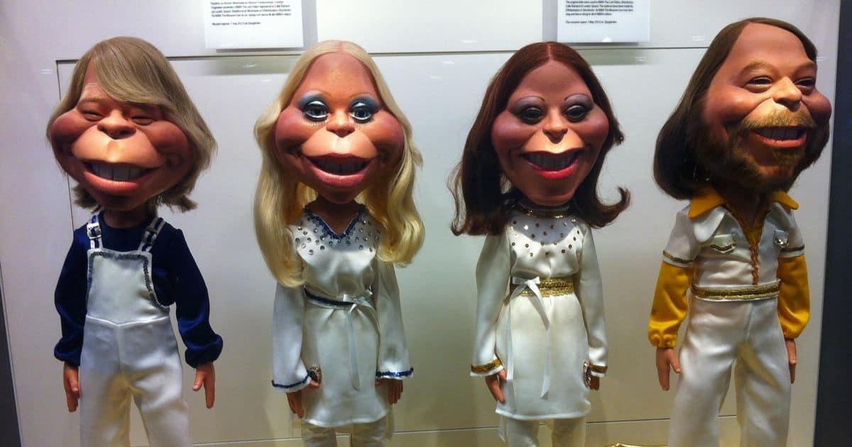 アバの人形