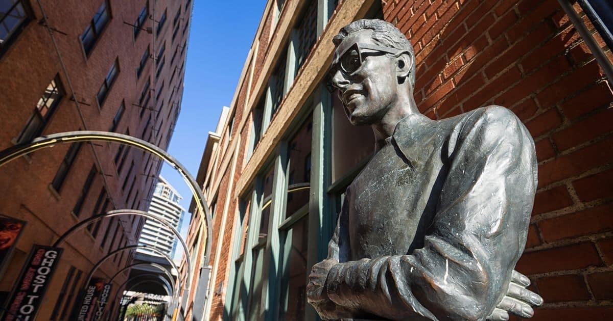 バディ・ホリーの銅像